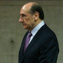 Extienden en 6 meses el plazo para investigar a Fuente-Alba por fraude en el Ejército