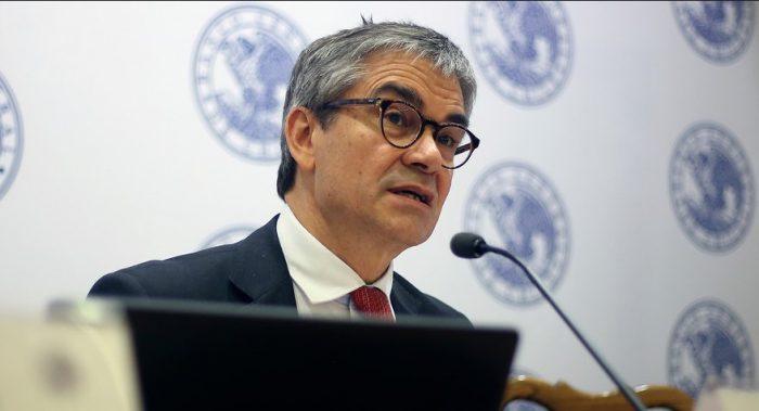 Banco Central adelanta decisión sobre tasas en medio de agitación social