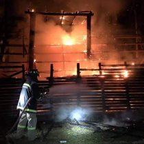 Investigan nuevo ataque incendiario en contra del rodeo: fuego consumió parte de la medialuna en Paredones