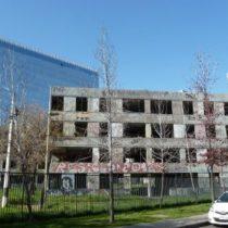 Recurso de protección congela demolición de último edificio de ex villa San Luis de Las Condes