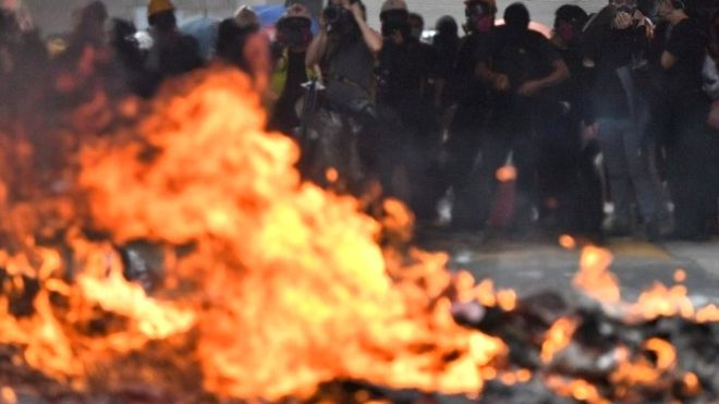 Protestas en Hong Kong: primer herido de bala en el territorio autónomo en el 70º aniversario de la China comunista