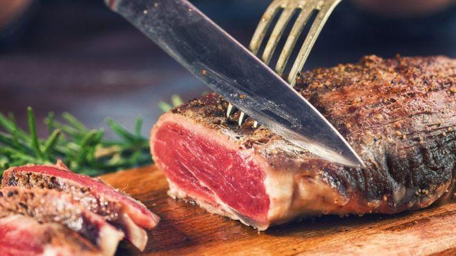 El polémico estudio que dice que la carne roja y procesada no es tan dañina como se pensaba
