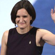 Quién es Esther Duflo, la segunda mujer que recibe el Nobel de Economía y la ganadora más joven de la historia