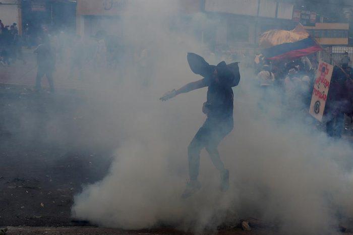 Crisis en Ecuador: Manifestantes ocupan sede del Legislativo en Quito y piden salida de Moreno