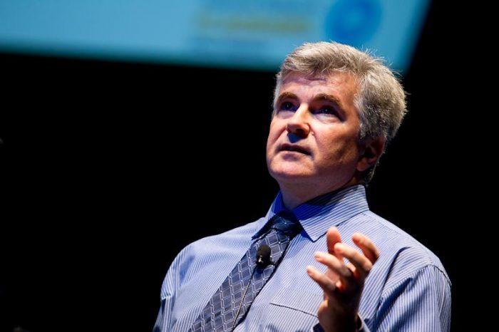 """Vicepresidente de IPCC de visita en Chile: """"El persistente foco en el crecimiento ha resultado en el aumento global de emisiones"""""""