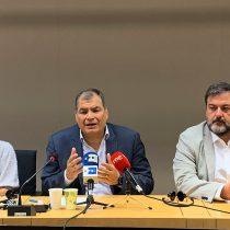 Correa pide a Moreno convocar elecciones, en las que se presentaría como candidato