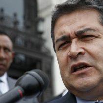 Acusan a presidente de Honduras de recibir sobornos del