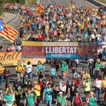 """Presidente del Gobierno español no descarta """"ningún escenario"""" de acción en Cataluña"""