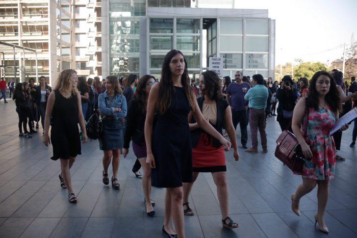 """""""Nos cuidamos entre todas"""": abogadas feministas entregan asistencia jurídica a la población en medio de protestas"""