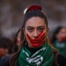 """""""Aborto Libre: materiales para la lucha y la discusión en Chile"""": el compilado de Karen Glavic"""