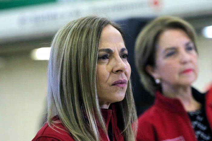 """""""La ministra ha estado ausente"""": diputadas de oposición reúnen 56 firmas para interpelar a Isabel Plá"""