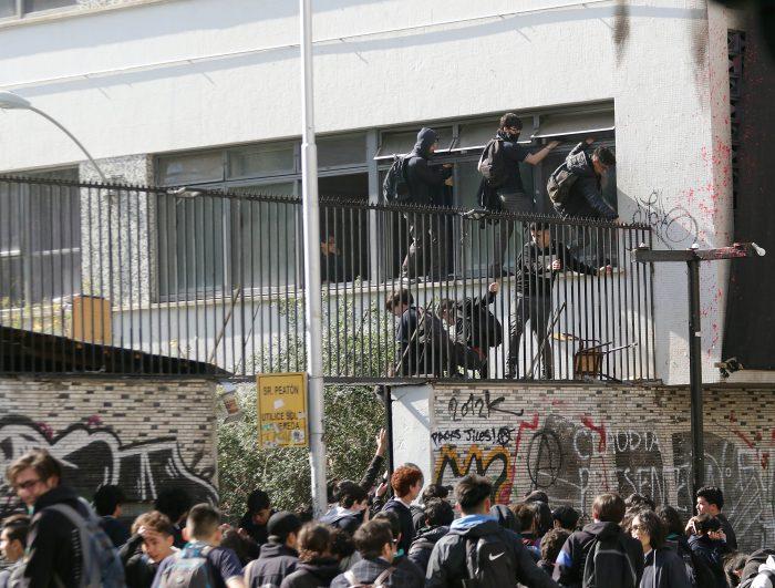 Incendio en inspectoría general del Instituto Nacional activa amplio despliegue policial