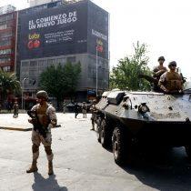 La pizza más cara de Piñera: la cadena de errores del Presidente en el manejo de crisis y que ha terminado con tanques en las calles