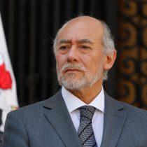 Iván Flores recomienda hacer una nueva Constitución y no