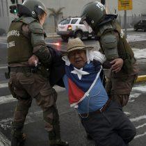 Protestas en Chile: INDH anuncia querellas por violencia policial en detenciones