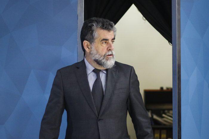 Fallecidos en las protestas: el contraste de las cifras entregadas por el subsecretario Ubilla y el general Iturriaga