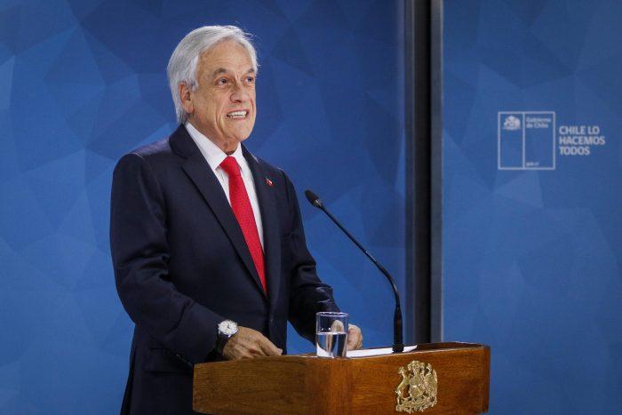 Piñera ya no habla de guerra, pide perdón y abre la billetera fiscal pero no anuncia cambios estructurales ni en su gabinete