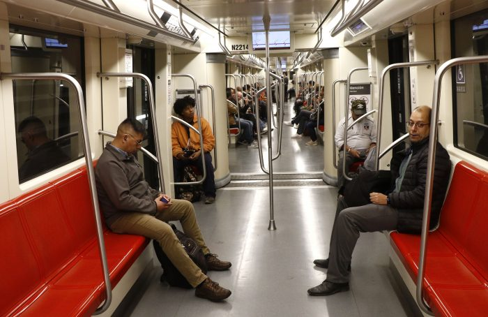 Así amaneció Santiago: Metro inició funcionamiento parcial en líneas 1,3 y 6