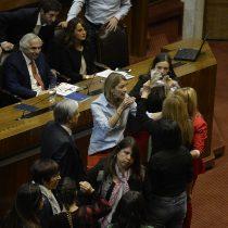 Caos en el Congreso: Pamela Jiles encara a Chadwick por cifras de detenidos pero es detenida por Camila Flores