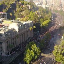 Movilizaciones en rechazo al Gobierno vuelven a hacerse sentir con fuerza en Santiago y en distintos puntos del país