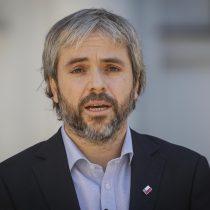 Ministro Blumel condena ataques a Carabineros: