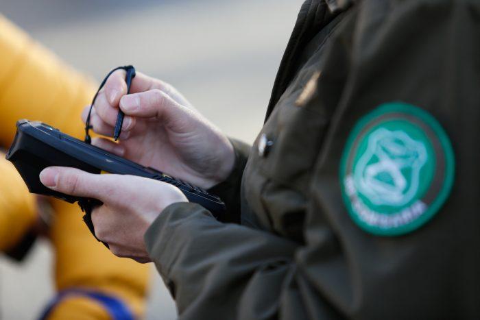 Comisión despacha proyecto de ley que autoriza control preventivo de identidad a menores y avanza en la Cámara Baja
