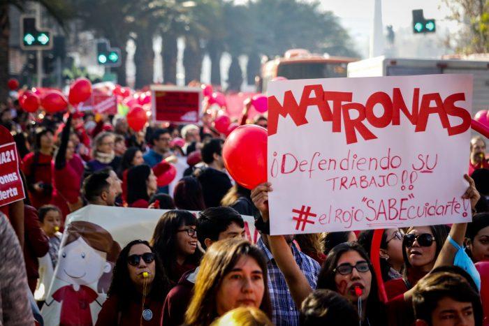 Colegio de Matronas y Matrones de Santiago ofrece atención gratuita por medio de consultorio virtual