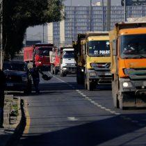 Camioneros piden al Gobierno intervenir para
