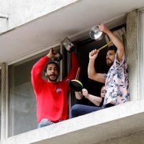 Caceroleos masivos se toman Santiago y se extienden a regiones en una tensa segunda jornada de movilización social