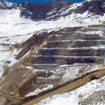 Chile promete 'respaldo', pero no dinero, para endeudada Codelco