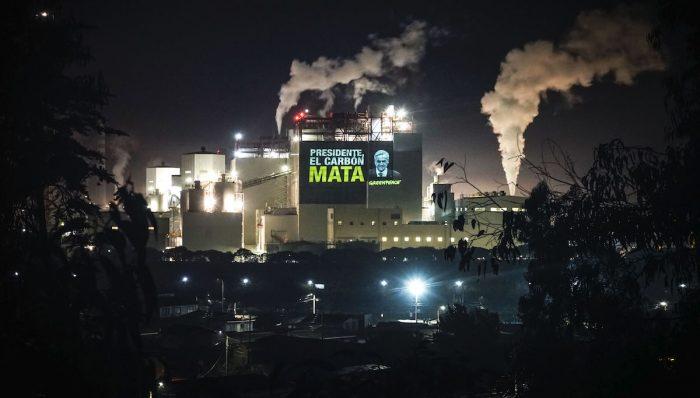 """Greenpeace: """"El carbón está ennegreciendo el supuesto liderazgo climático del presidente"""""""