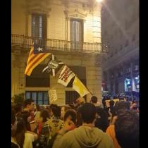 Las imágenes de las protestas independentistas que se toman Barcelona tras las condenas a líderes catalanes