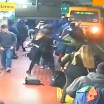 La suerte estuvo de su lado: mujer se salvó por metros de ser arrollada por tren en Argentina