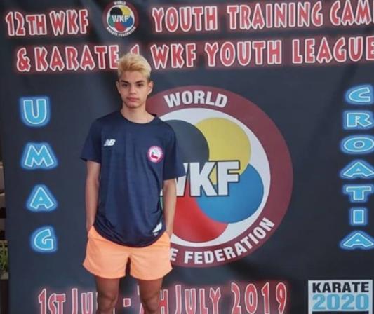 Padre de joven campeón del mundo en Karate denuncia que IND le niega beca por