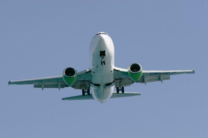 Qué hacer ante vuelos cancelados y reprogramados