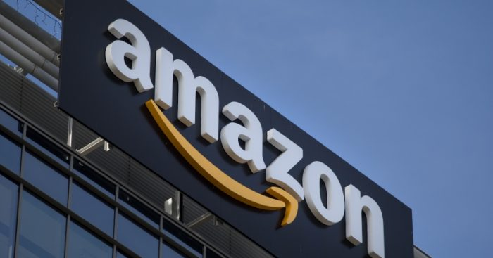 Amazon evalúa usar centros comerciales para agilizar repartos