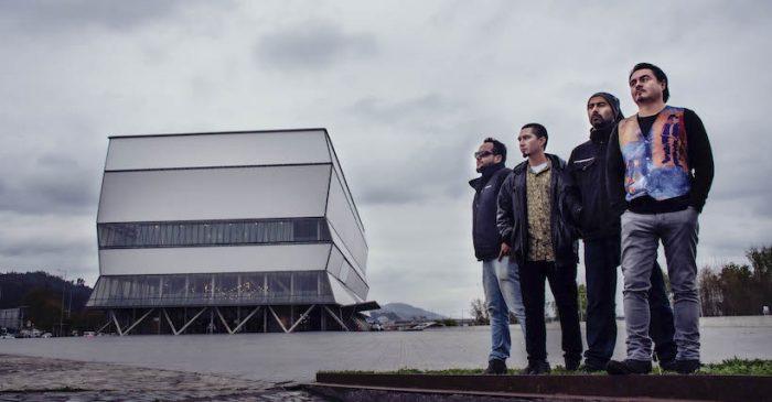 Concierto multidisciplinario de la banda Portador en Teatro Biobío