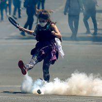 Uso de bombas lacrimógenas en protesta pacífica tensiona el ambiente en Providencia