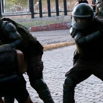 FF.EE. de Carabineros dispara contra menores de edad al interior de sus establecimientos educacionales en Santiago y Renca