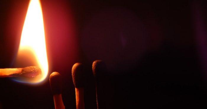 Investigadora chilena lidera estudio que descubre nueva forma en que se propaga la energía