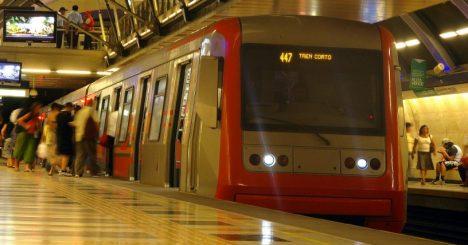 Nuevas Tarifas En El Metro De Santiago Sube 30 En Hora Punta Y Baja 30 En Horario Bajo El Mostrador