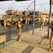 El día después del 18 de octubre negro: los militares controlan Santiago como en los '80