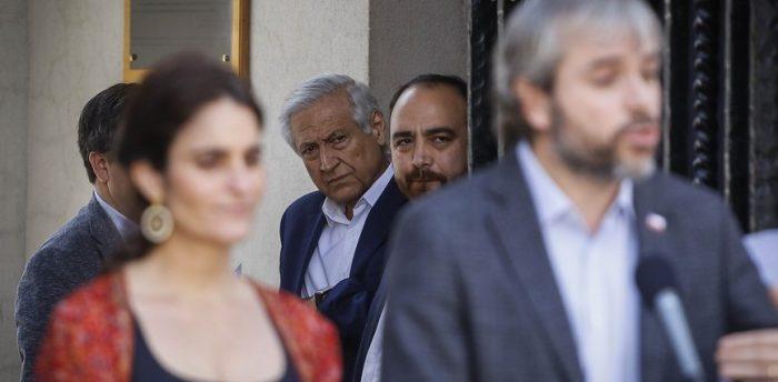 Ambigüedad del Gobierno de Piñera ante nueva Constitución marca cita de la oposición con Blumel en La Moneda