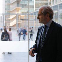 """Funcionarios del Ministerio Público acusan """"doble estándar"""" de Abbott y exigen investigar denuncias contra Pérez Calaf"""