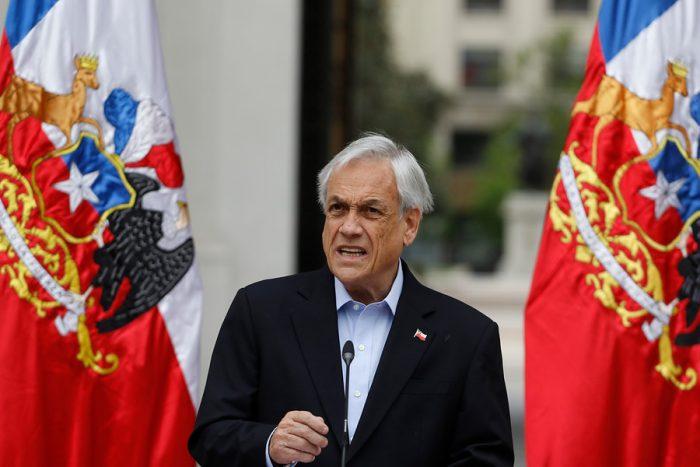 Piñera pide la renuncia a todos sus ministros mientras se instala tensión generacional en los equipos de Gobierno