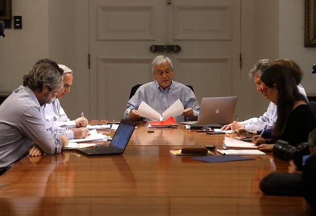 """Piñera no escucha los cacerolazos: Presidente no cambia el libreto e insiste en calificar como """"delincuentes"""" a los manifestantes"""