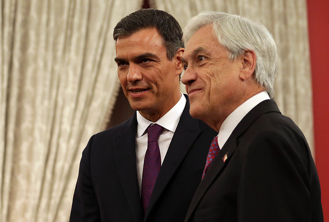 A España los pasajes: Pedro Sánchez le ofrece a Piñera organizar la COP25 en Madrid