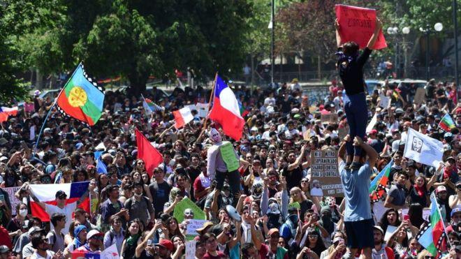 Paisaje político en Chile tras un mes de rebelión popular