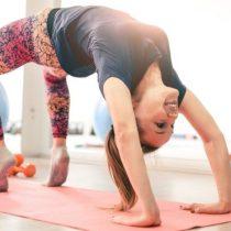Por qué el yoga puede causarte «graves problemas de cadera»