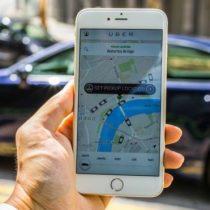 La paradoja de Uber: cómo la aplicación libera y encadena a sus conductores en la
